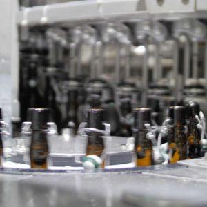 Bügelflaschen werden abgefüllt, Unternehmensfilm